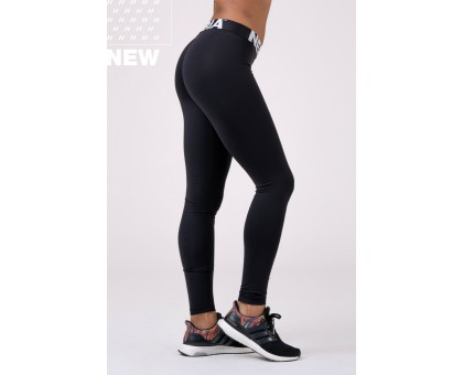 Nebbia Леггинсы Squad Hero Scrunch Butt leggings чёрные
